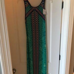 Bisou Bisou Dresses - Bisou bisou green/teal maxi with pattern - nwt!